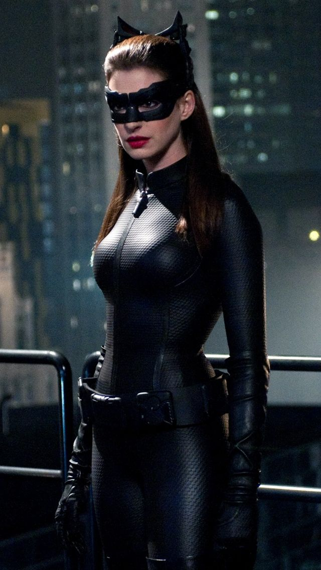 Anne Hathaway Catwoman iPhone 5 Wallpaper