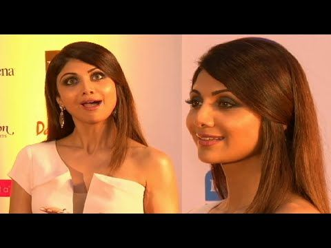 Shilpa Shetty SIZZLING at Femina Miss India 2015 Grand Finale.