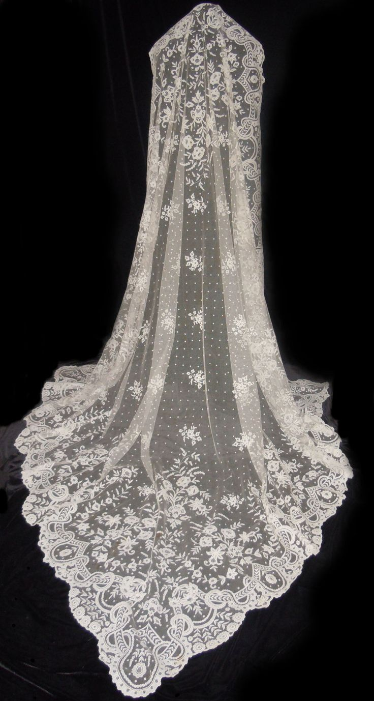 Lace Wedding Dress And Veil : Antique irish carrickmacross lace wedding veil shawl