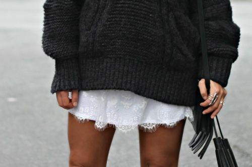 Autumnwint Fashion, Street Style, Over Sweaters, White Lace, Fashion Photography, Lace Skirt, Oversized Sweaters, Knits Sweaters, Chunky Knits