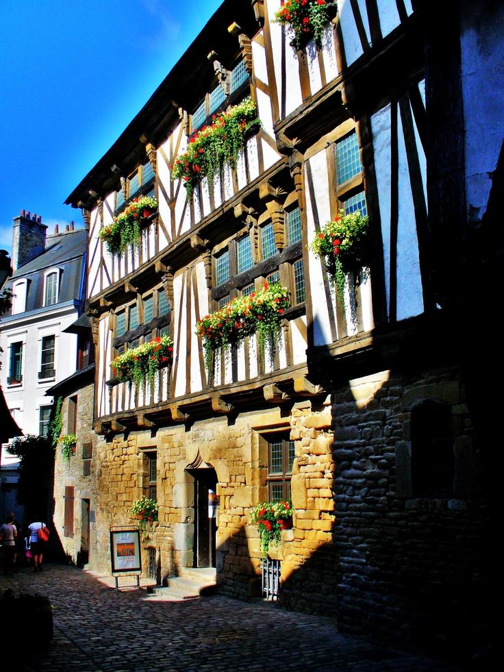 Bas Moyen Age / époque gothique : Quimperlé, maison des Archers