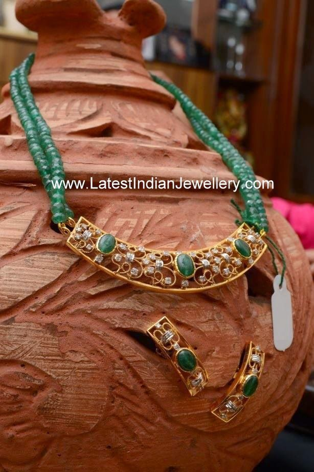 Emerald Beads gold Pendant Set