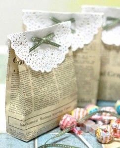"""Le cadeau d'invité n'est certes pas le point primordial lorsqu'on organise un évènement, mais offrir une pochette cadeau ou un joli présent en souvenir d'un anniversaire, mariage ou baptême, c'est la cerise sur le gâteau! Surfez donc sur la tendance """"Goodie bag"""" et gâtez vos invités en piochant dans notre sélection de cadeaux personnalisés. Lien : http://www.go-reception.com/blog/cadeaux-dinvites-et-pochettes-cadeaux-pour-un-mariage-un-anniversaire/?preview=true…"""