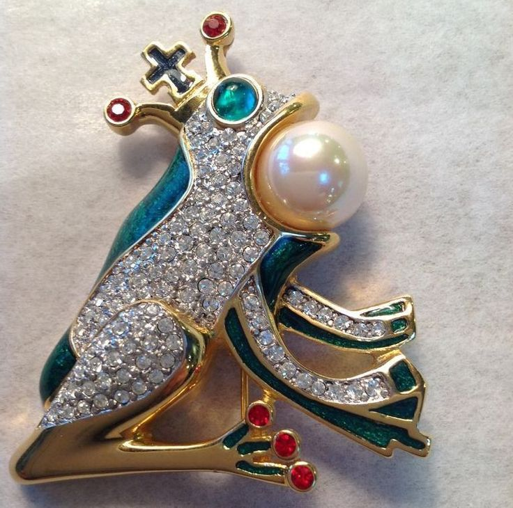 Butler & Wilson Frog Pin With Crown from Antiques of River Oaks on Ruby Lane $89 - Questions Call: 713-961-3333