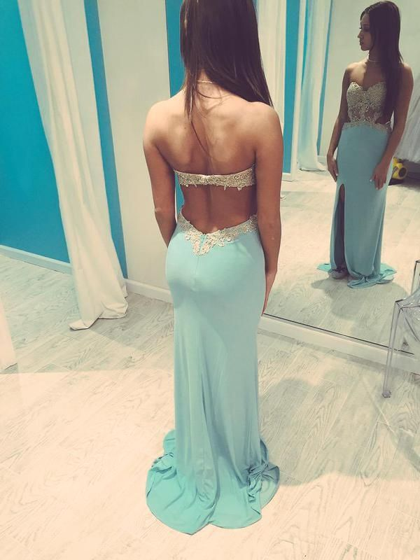 OMG I'll o be this dress color is so pretty