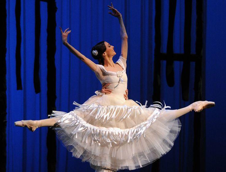 Балерина Светлана Захарова призналась, что рождение дочери перевернуло ее жизнь : Светлана Захарова / фото 2