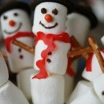 Marshmallow+Snowman+Kabobs