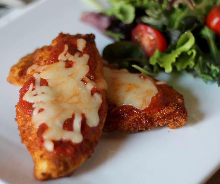 Skinny Chicken Parmesan #recipe via The It Mom http://www.yummly.co/#recipe/Skinny-Chicken-Parmesan-Low-Carb-1904186