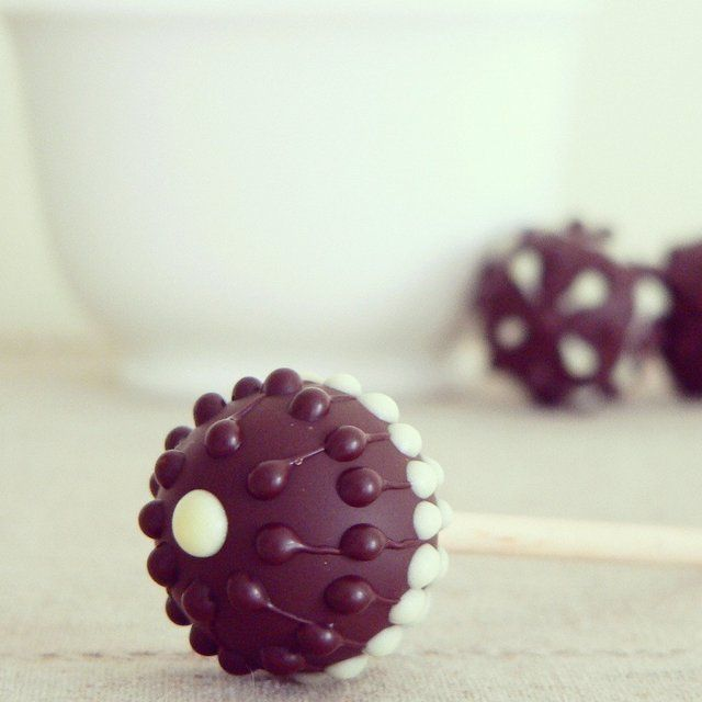 how to make chocolate lollipops with molds