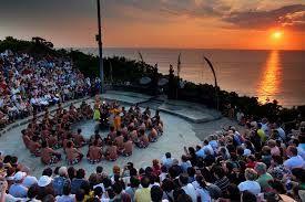 Tari Kecak  adalah pertunjukan tarian seni khas Bali yang lebih utama menceritakan mengenai Ramayana dan dimainkan terutama oleh laki-laki....
