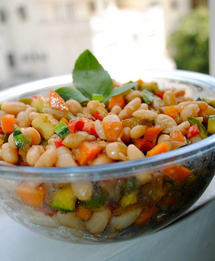 Salada de Feijão Branco e Legumes