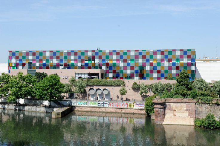 Buren Musée d'Art moderne et contemporain de Strasbourg, l500m2 de carreaux colorés