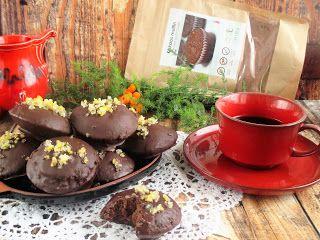 PaleoLé-t - csupa-csokis- félgömb Nagyon finom csupa csokis jól esett a reggeli kávé mellé ( a muffin lisztkeverékből is finom.)Hozzávalók: 12 db4 db tojás1 ek. kókuszkrém1 dbPaleolét csokis brownie liszkeverék/kakaós muffin lisztkeverék10 dkgPaleolét csokoládé pasztillakókuszzsír a forma ken