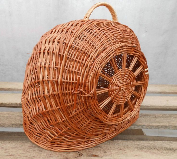 These fantastic wicker pet carriers will enable you to transport your pets securely and easily. Willow Handmade Luxury Pet Carrier Box. Our willow baskets are woven by hand so basically each single piece is unique. | eBay!