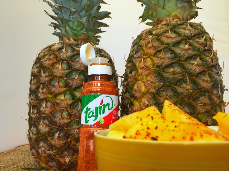 Pineapples are made of hundreds of flowers growing together AND they taste great with Tajín ;)/ ¡La Piña con #Tajin sabe maravillosa!