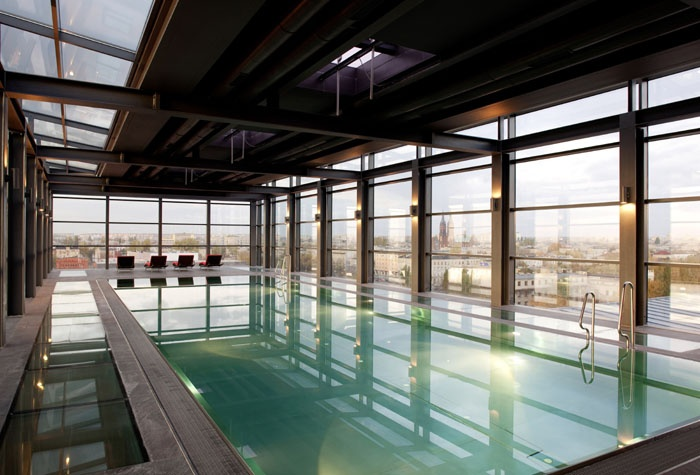 Cantilever Rooftop Spa Pool at Andel's Lodz, Poland