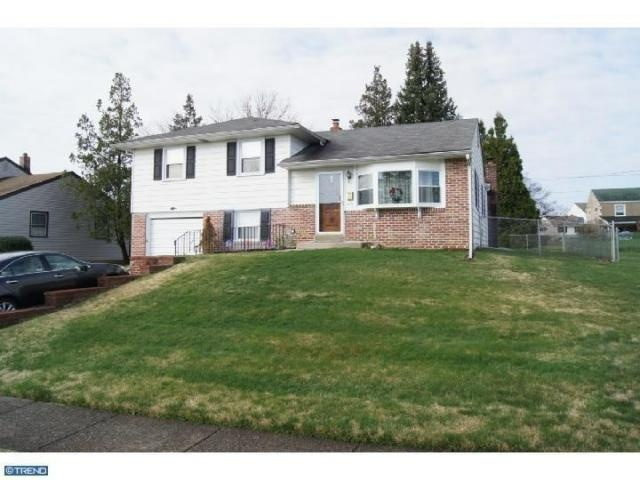 216 Ashford Dr Broomall, PA 19008 home for sale in Delaware County. http://www.anthonydidonato.net/wordpress/2013/04/15/216-ashford-dr-broomall-pa-19008-home-for-sale-in-delaware-county/ Please Contact Me for more information about this home for sale at 216 Ashford Dr Broomall, PA 19008 in Delaware County and other Homes for sale in Delaware County PA and the Wilmington Delaware Areas:  Anthony DiDonato Email: anthonydidonato@gmail.com Cell Number: (610) 659-3999