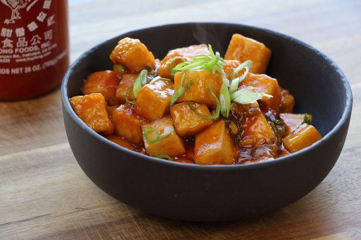 Tofu Général Tao!! Une de mes recettes favorites. Simple à préparer, rapide et délicieux, ce Tofu Général Tao fera bientôt partie de vos classiques.