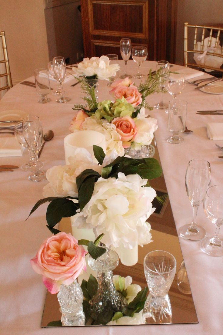 Regency Room Table decorations by @visuallycr8tive | Floral dreams | Sydney Wedding Venue | Eschol Park House