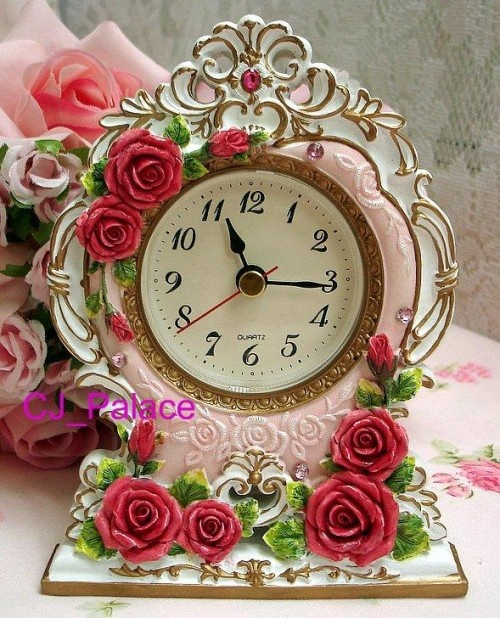 unique floral clock