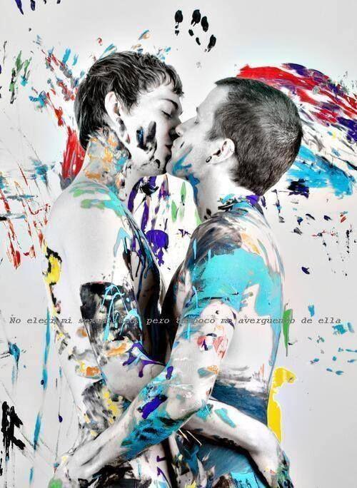 Street art  gay kisses - http://bestgaybloggers.com/street-art-gay-kisses-4/
