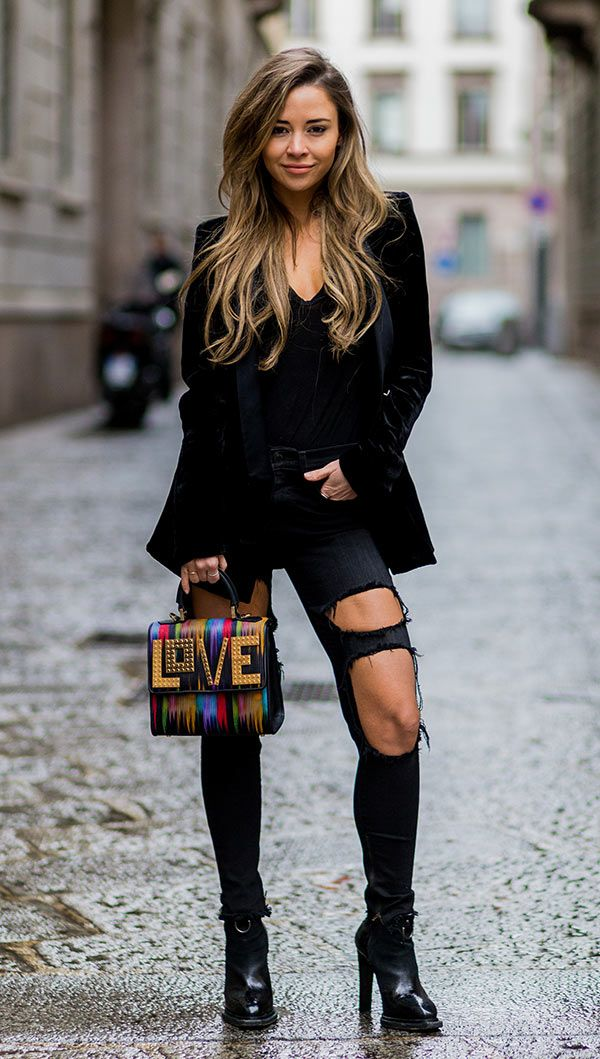 Street style look com calça destroyed