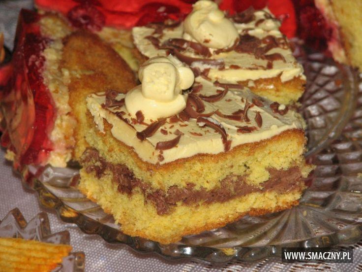 Co słodkiego mieliście do weekendowej kawusi? U nas #biszkopt przekładany słodkim maślanym kremem... mmm pychotka mówię Wam:  http://www.smaczny.pl/przepis,biszkopt_z_maslanym_kremem_i_czekolada  #przepisy #ciasta #krem #czekolada #czekoladamleczna #jajka #cukier #cukierpuder #mąka #mąkapszenna #proszekdopieczenia #masło #margaryna #żółtka #kakaodociasta