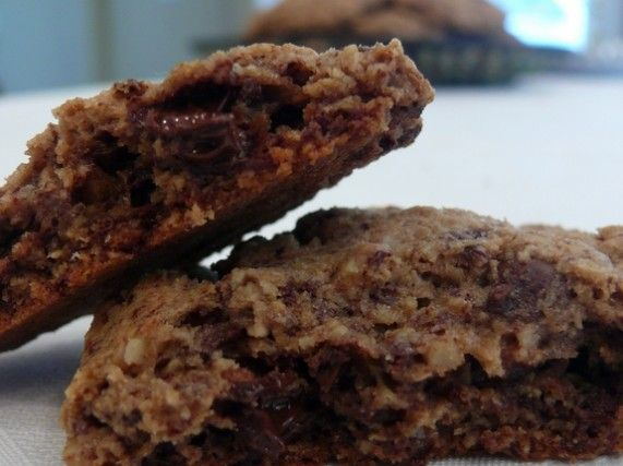 Better Than Those Fancy-Schmancy Department Store Chocolate Chip Cookies…