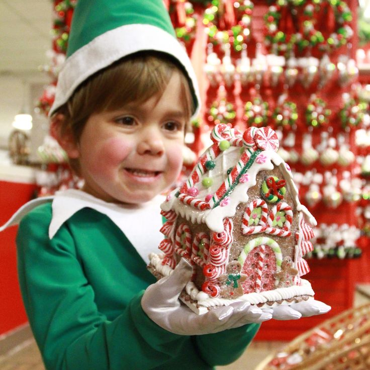 Nothing like a beautiful gingerbread house to get this little elf in the holiday spirit!! You can also get in on the fun by coming to see Freezing - A Witty, Wintery Family Musical!! It's a show you won't want to miss!! Check out www.itsfreezinginottawa.com for more details!! #everydayottawa #selfieontheshelfie #itsfreezinginottawa #ottawa @hudsonsbay#ottawatourism #gladstonetheatre