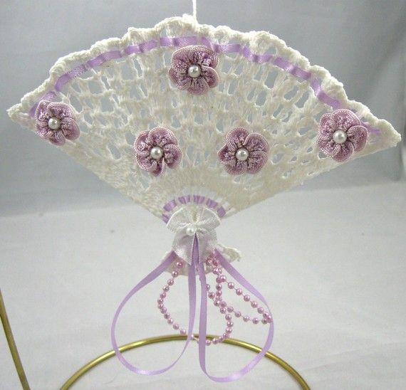 Thread crochet Victorian fan