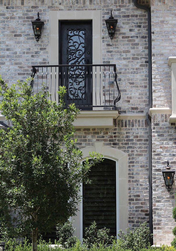 Old texas brick charcoal antique qs white mortar light - How to whitewash brick house exterior ...