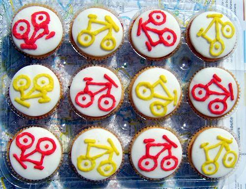 Bicycle cakes by Dee Railer, via Flickr