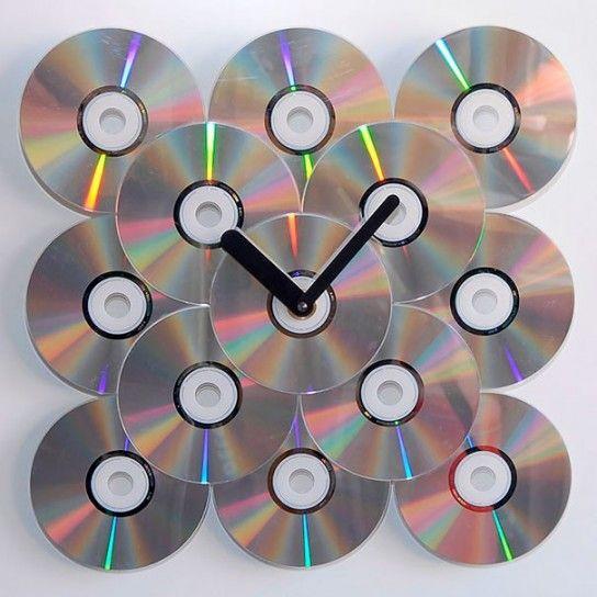 Orologio con i vecchi cd