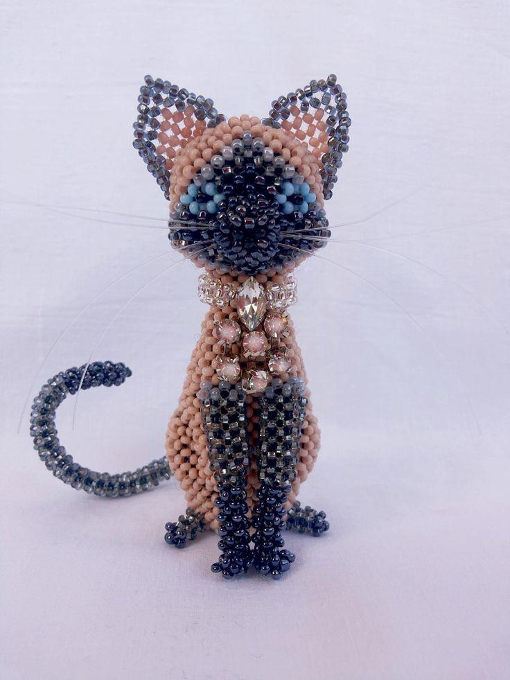 3D beaded cat