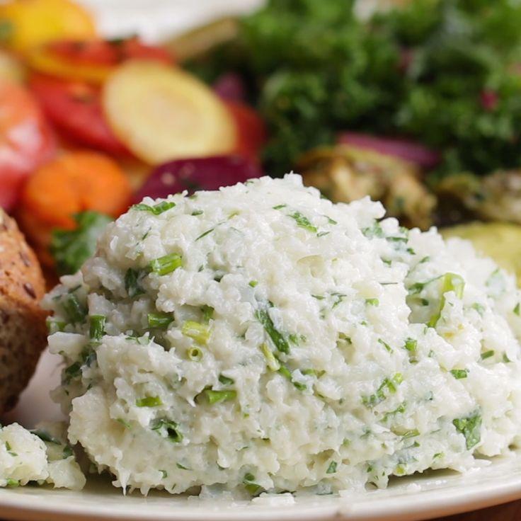 "Garlic & Herb Cauliflower Mashed ""Potatoes"""