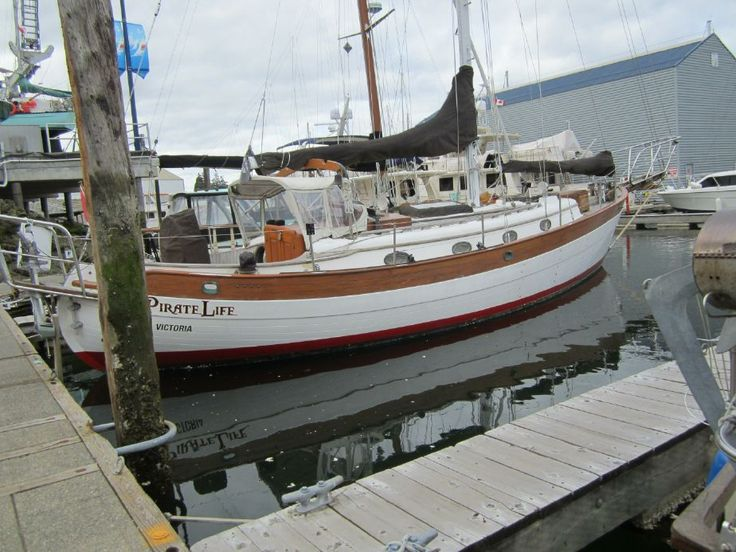 a354009027466075a8730c4a6b0f1865 boats for sale hans christian 95 best dream boats images on pinterest boats, sailboat interior Simple Boat Wiring Diagram at n-0.co