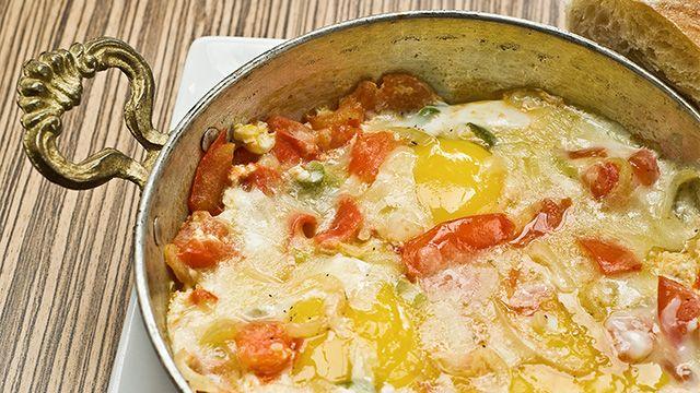 «C'est une recette très facile et rapide en même temps. Un repas léger et nutritif très populaire en Turquie. On peut décliner cette recette de...