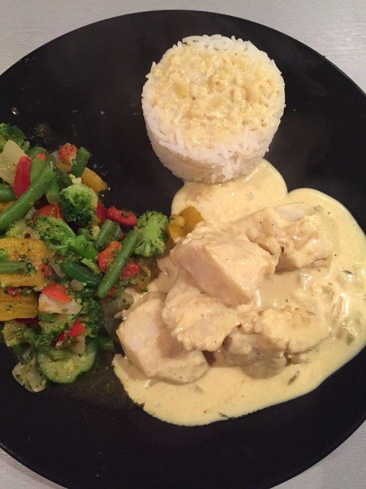 Le poisson blanc fait parti des protéines les moins caloriques ! J'ai acheté de beau dos de colin d'Alaska, mais vous pouvez faire cette recette avec n'importe quel poisson ! pour 4 pers 5 pp / personne (weight watchers) sans le riz - 500 g de poisson...