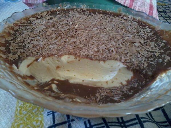 O Mousse de Limão Trufado é uma sobremesa saborosa, cremosa e muito prática. Faça para os amigos e familiares e agrade a todos sem ficar horas na cozinha!