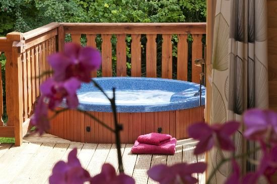 1000 images about hot tub idea on pinterest master for Balcony hot tub
