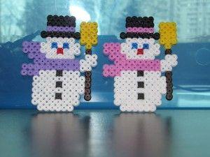 Avec une grande plaque carrée voila les jolis bonhommes de neige que l'on peut faire Toujours violet pour ma petite et rose pour ma grande