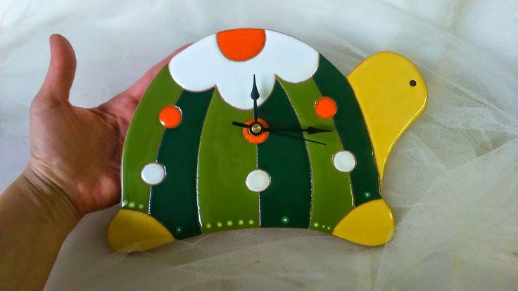 ceramica come mestiere: Orologi a forma di tartaruga, gatto e mongolfiera....