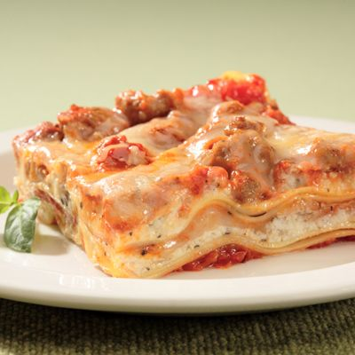 Robust in flavor, this hearty Pumpkin Sausage Lasagna entrée features a saucy secret. With a unique combination of roasted garlic marinara sauce, spicy turkey sausage and pumpkin, the goodness of this festive dish wraps itself around layers of noodles and savory cheeses.