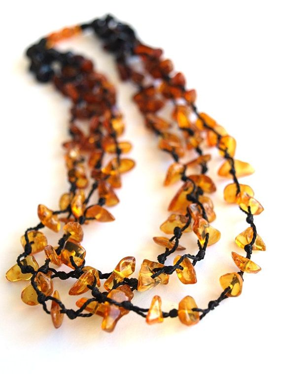 Length 18,70 inches (47,5 centimetres).    Baltic amber is a fossil resin, in contrast to the stone is warm to the touch, worn in contact with the skin