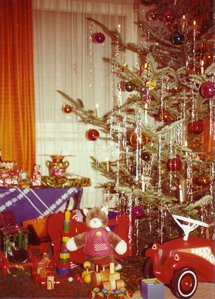 562 best vintage christmas tree vintage x mas images on. Black Bedroom Furniture Sets. Home Design Ideas