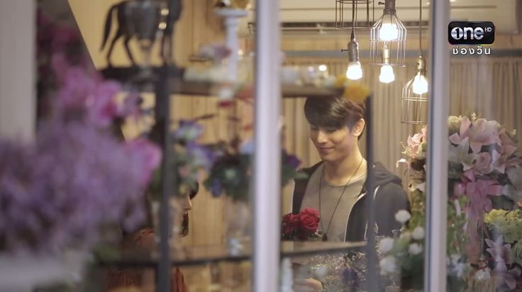 he so lovely >< he buy a flower for his woman ตะวันตัดบูรพา | EP.5 FULL HD | 31 ส.ค.58 | ช่อง one