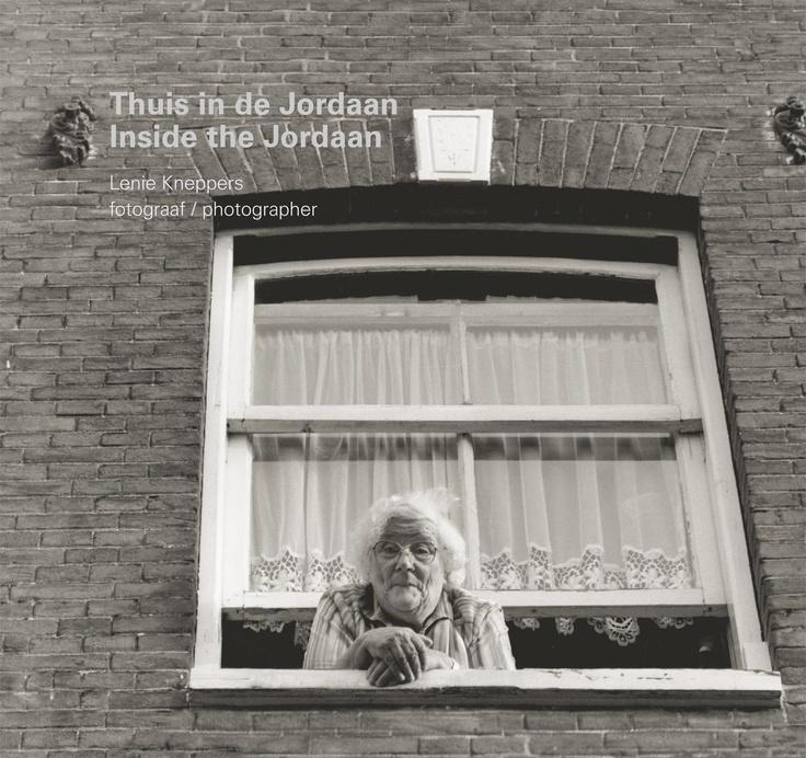 Thuis in de Jordaan van fotograaf Lenie Kneppers.