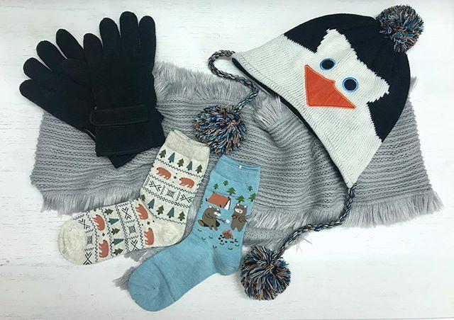 كيف الأمطار و الجو الحلووو لططيف لططييف بديتوا تشتون Christmas Stockings Holiday Decor Instagram Posts