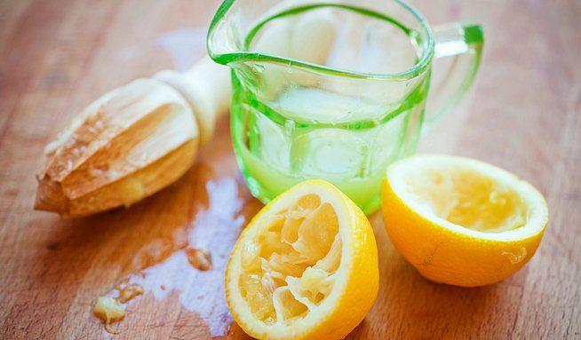 Voda scitronem– zdravý zvyk, ale musí býtteplá - Dieta