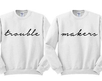 Grey Crewneck Trouble Makers Best Friends door TeesAndTankYouShop